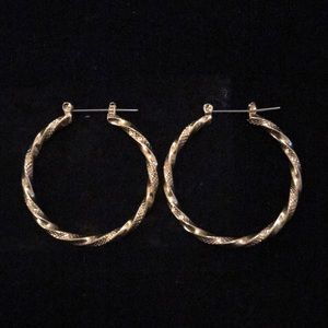 Avon Goldtone Square Twist Hoop Earring